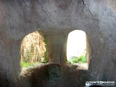 Parque Natural Monasterio de Piedra; excursion a madrid; zapatillas senderismo;equipamiento trekking